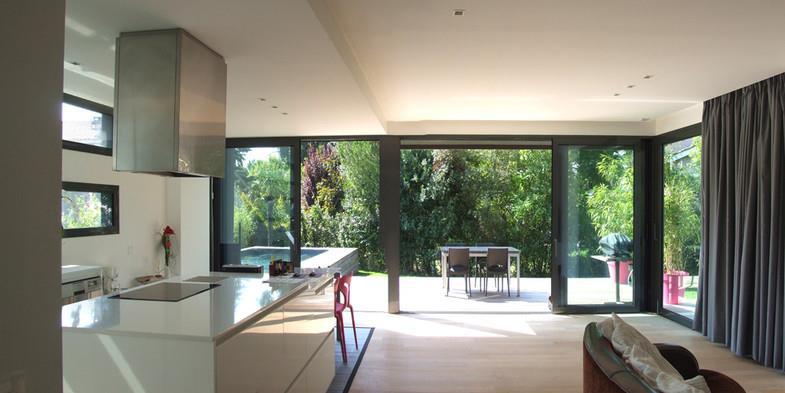 Grandes baies vitr es entre le s jour et la terrasse - Grandes baies vitrees ...