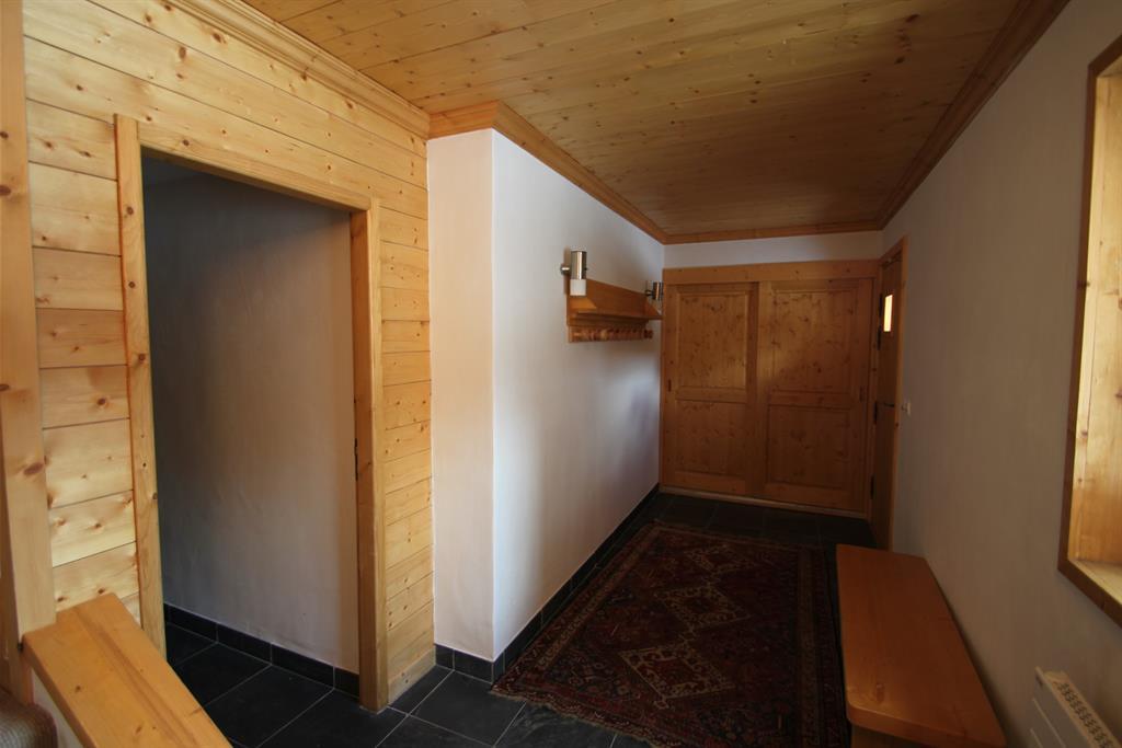 D co lambris bois blanc salle de bain argenteuil 33 for Habillage mur interieur pvc