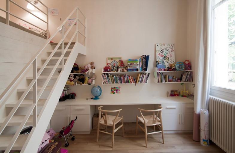 Des exemples de chambres tr s d co pour faire cohabiter for Bureau pour petit espace