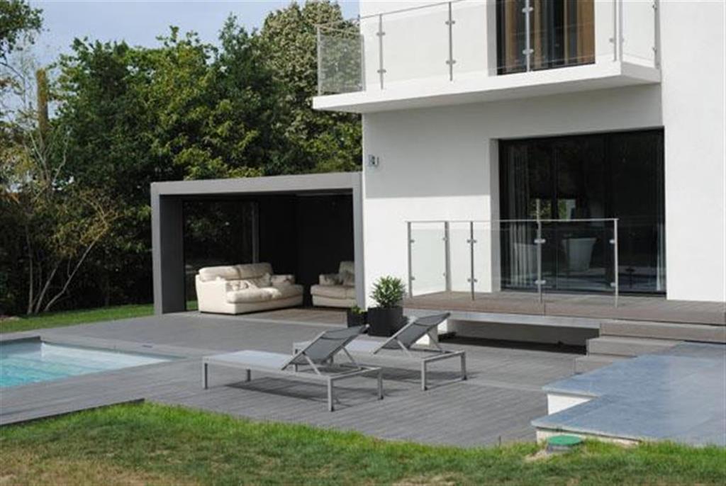 Facade maison contemporaine with moderne piscine d coration de la maison et piscine design for Piscine design contemporaine
