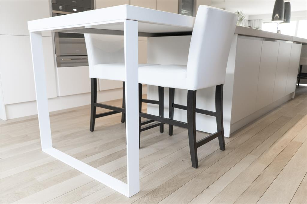 Table contemporaine pour cuisine - Pied central pour table ...