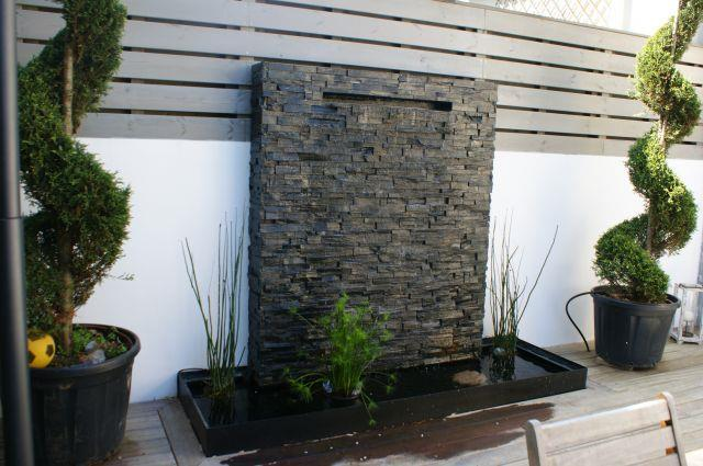 Fontaine de jardin moderne for Amenagement exterieur jardin moderne