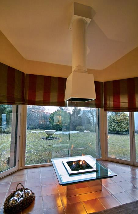 cheminee centrale verre