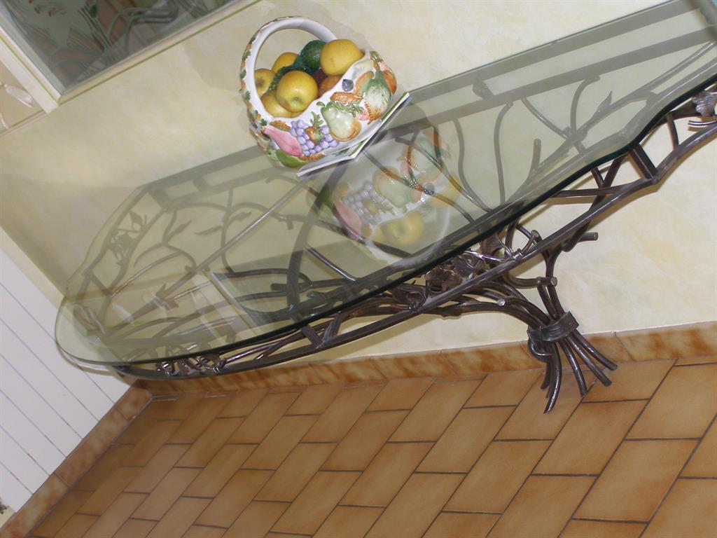 Table, table basse, coin de canapé (en fer forgé ou ferronnerie ...