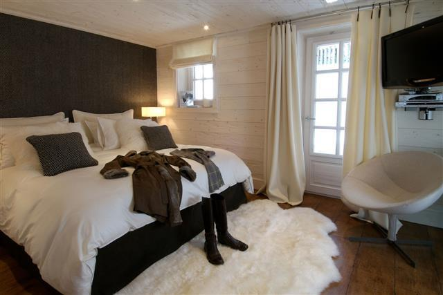Stunning Chambre Adulte Avec Lambris Photos - Ridgewayng.com ...