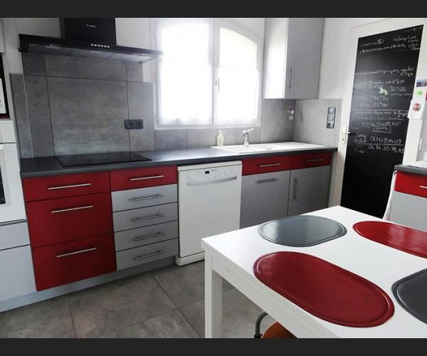 cuisine moderne rouge the image kid has it. Black Bedroom Furniture Sets. Home Design Ideas