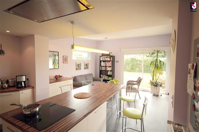 Salle De Bain Ouverte Sur Salon : Cuisine ouverte avec îlot central IZNODESIGN photo n°83