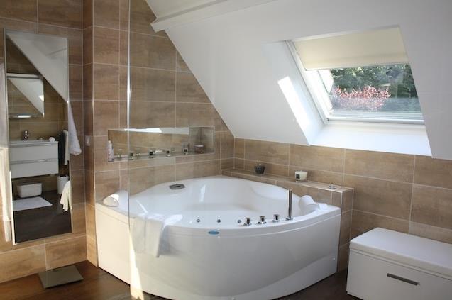 1000 images about salle de bain on pinterest search bathroom grey - Salle De Bain Baignoire Rose