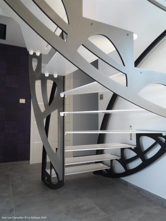 Escalier design papillon noir et blanc lastylique photo n 42 domozoom - Escalier noir et blanc ...