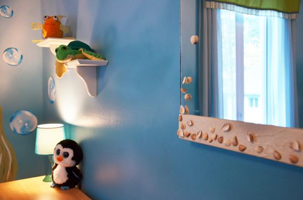 Mur bleu dans une chambre de b b gar on lucie lapointe - Chambre de bebe dans une alcave ...
