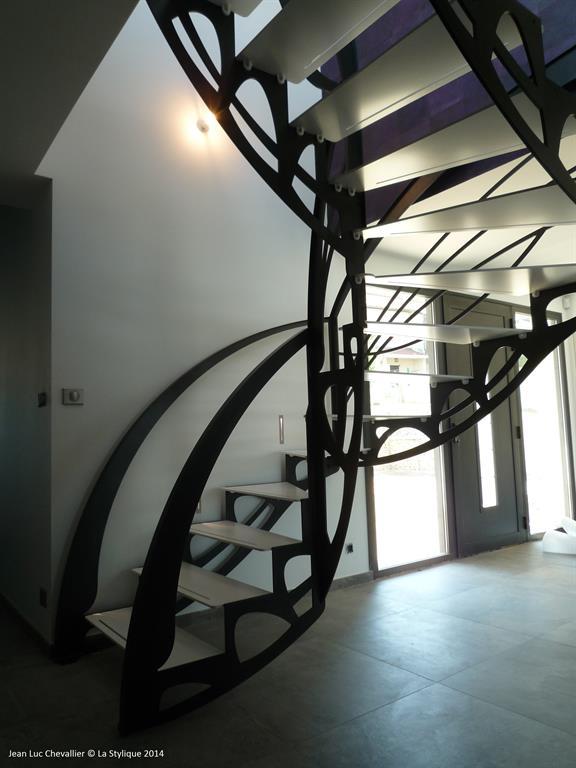 Escalier design papillon noir et blanc lastylique ref - Escalier noir et blanc ...