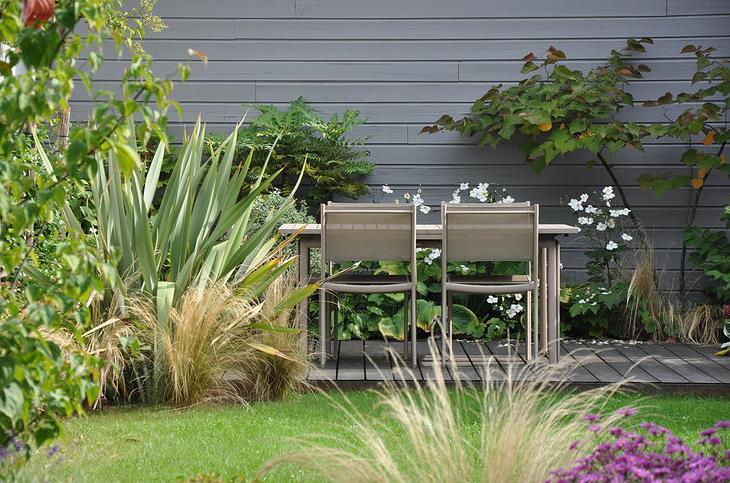 Petit jardin en terrasse meilleures id es cr atives pour for Petite maison de jardin