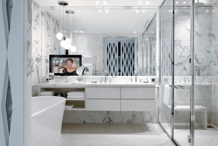 894347-salle-de-bain-moderne-salle-de-bain-lumineuse.jpg