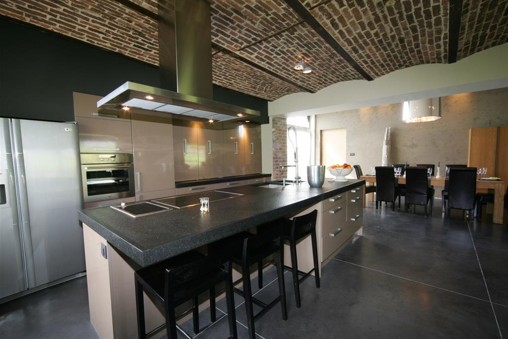 Amnagement cuisine ouverte sur salle manger decoration for Grande cuisine ouverte sur salon