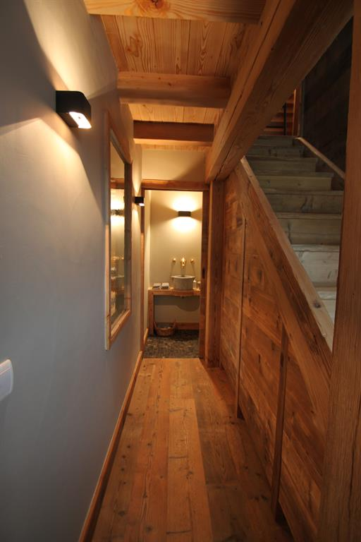 Couloir vers les toilettes sur mesure photo n 40 domozoom for Decoration interieure couloir entree