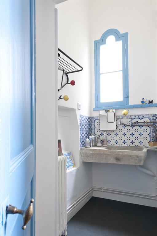 Salle De Bain Moderne Blanche Et Bleue Fusiond Photo N 83