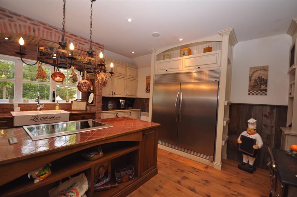 ilot central cuisine rustique images. Black Bedroom Furniture Sets. Home Design Ideas