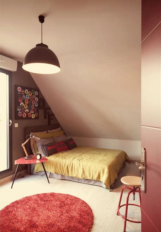 Chambre Sous Les Toits Rouge Et Grise Ludlowinterior