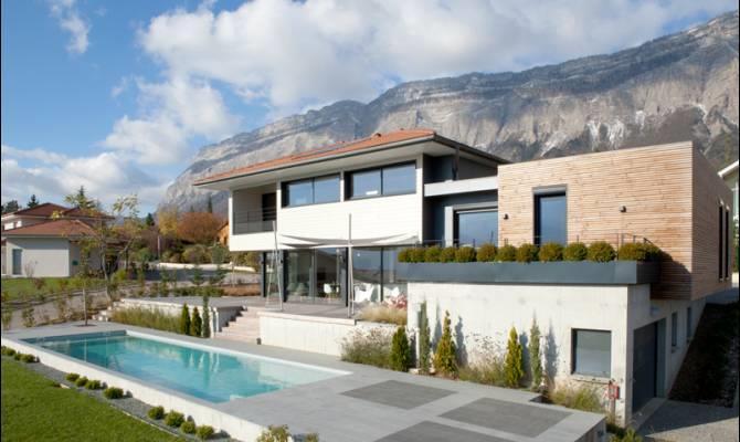 Villa à ossature bois avec piscine et terrasse Groupe Itineraires
