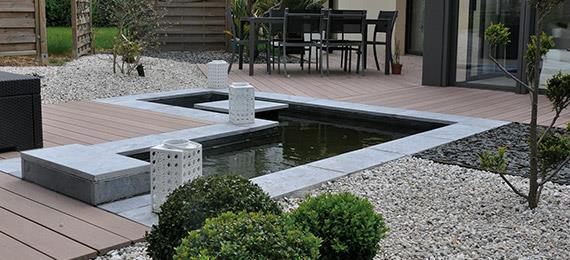 Affordable Terrasse Avec Bassin Integre Et Vu De Luintrieur Du Bassin Par  With Terrasse Bois Bassin