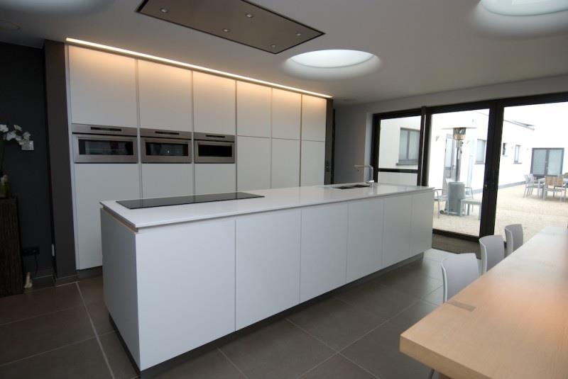 Cuisine avec meubles blancs intercub photo n 31 domozoom - Cuisine meubles blancs ...