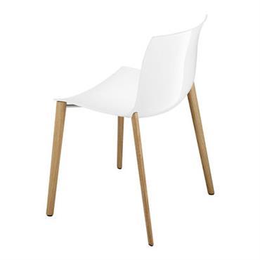 Chaise empilable Catifa 53 / Coque unie - Pieds bois - Arper Blanc