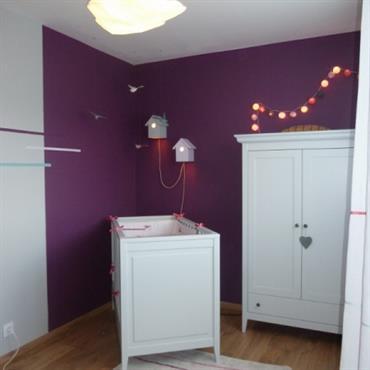 stunning chambre bebe prune et beige pictures ridgewayng. Black Bedroom Furniture Sets. Home Design Ideas