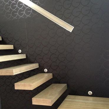 Escalier design suspendu