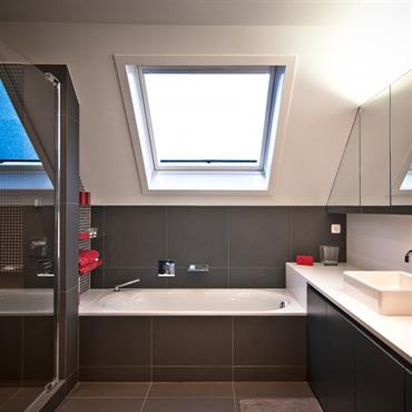Salle de bain moderne id es photos tendances domozoom - Salle de bain italienne moderne ...