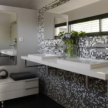 Salle de bain tres moderne quelle est la salle de bain - Photo de salle de bain moderne ...