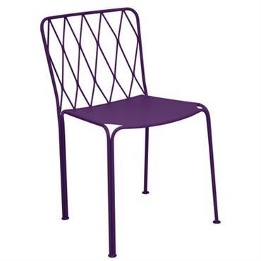 Chaise Fermob Design Aubergine Métal L 50 cm x Prof 55 cm x H 78,4 cm L´authentique mobilier de jardin anglais revu au goût du jour par le plus célèbre ...