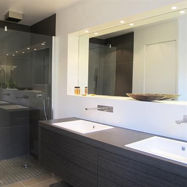 salle de bain contemporaine meuble vasque en bois douche litalienne - Decoration Salle De Bain Design
