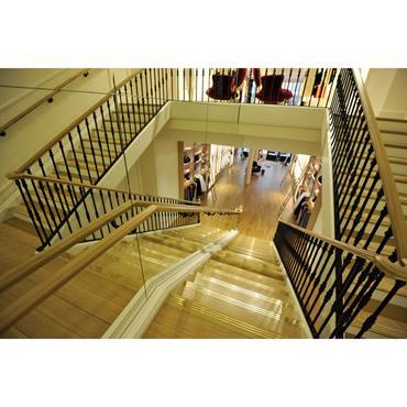 Escalier droit pour la boutique REPETTO PARIS