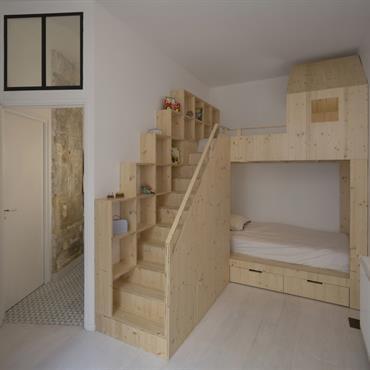 chambre enfant design le design rentre aussi dans les chambres d enfants domozoom. Black Bedroom Furniture Sets. Home Design Ideas