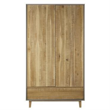 Ce dressing en bois de chêne vous offrira un beau volume de rangement pour votre chambre. Composé de deux portes, ce dressing moderne possède à l'intérieur une barre de penderie ...