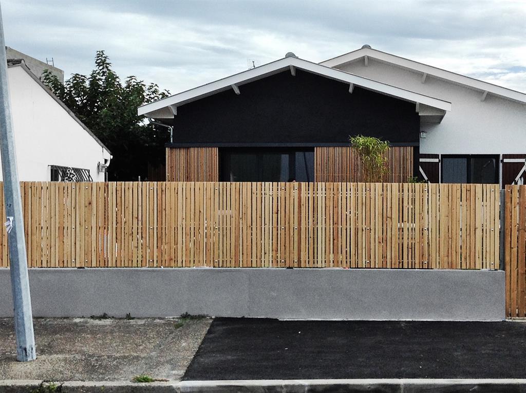 Petite maison noir biens r architecture photo n 50 - Architecture petite maison ...