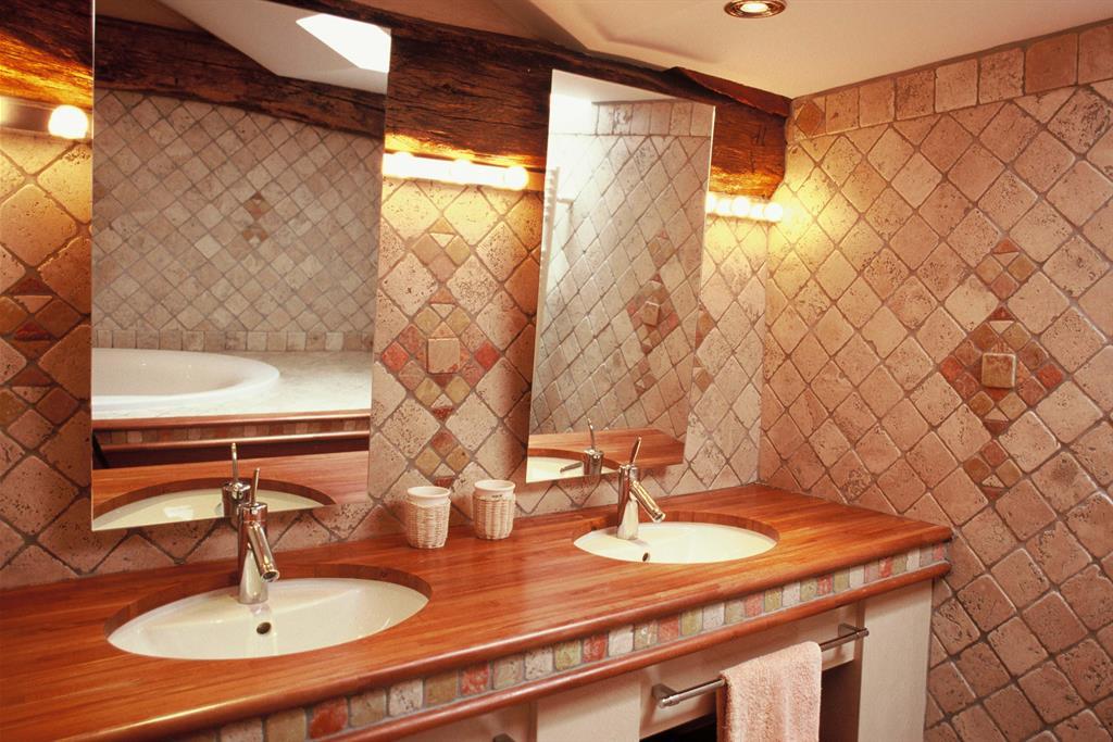 Salle de bain en mosaiques de marbres