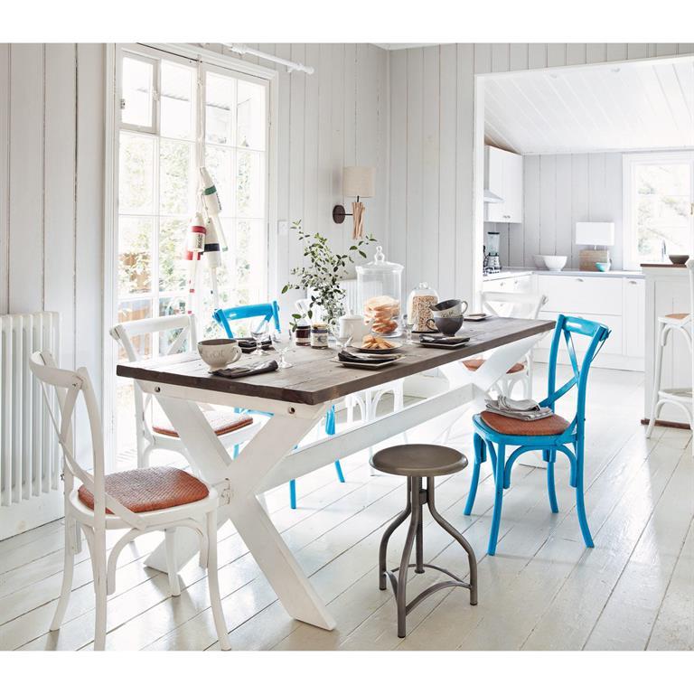 chaise en rotin naturel et bois blanche tradition maisons du monde. Black Bedroom Furniture Sets. Home Design Ideas