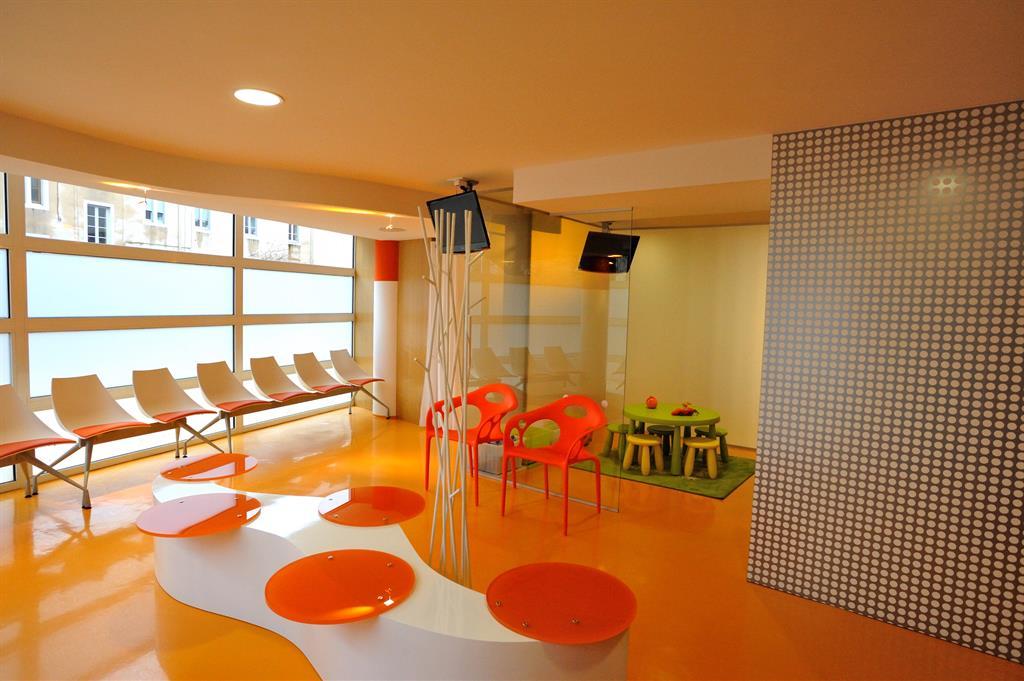 cabinet d 39 orthodontie. Black Bedroom Furniture Sets. Home Design Ideas