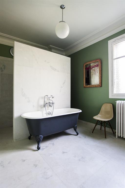 Comment se faire une salle de bain rétro moderne ?