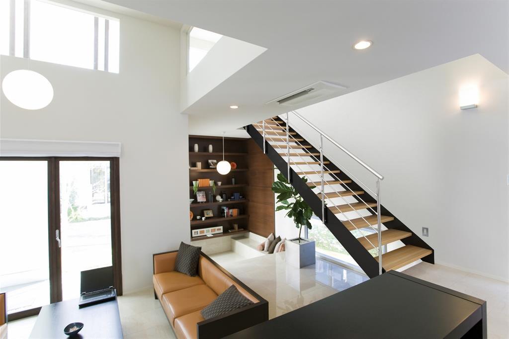 pi ce vivre avec escalier en bois et m tal lionel huet. Black Bedroom Furniture Sets. Home Design Ideas
