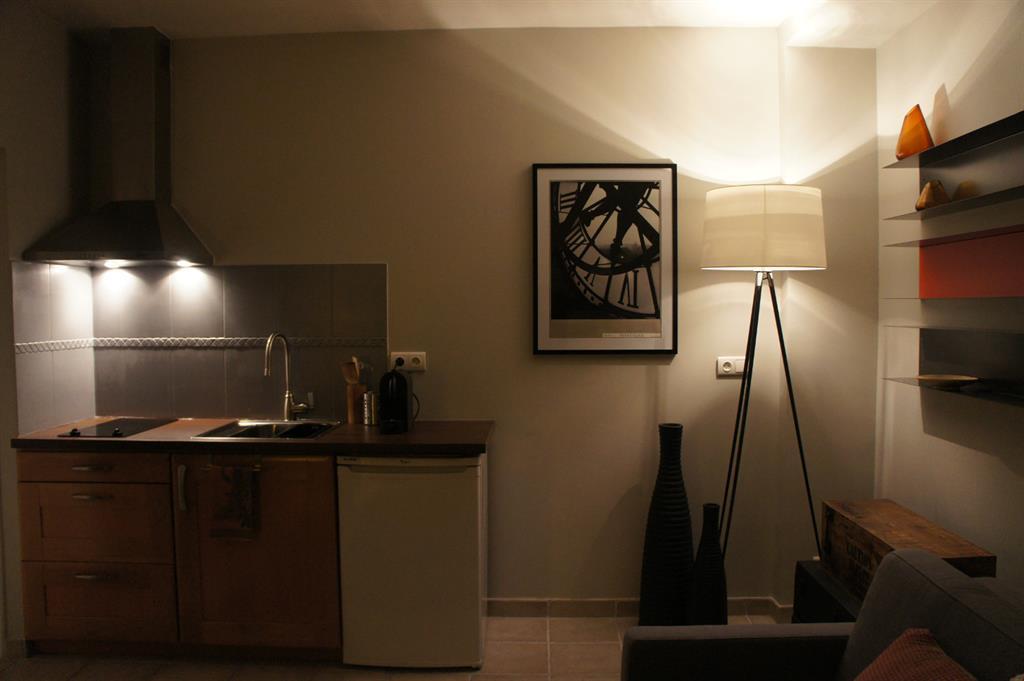 Appartement ambiance loft for Cuisine moderne kitchenette