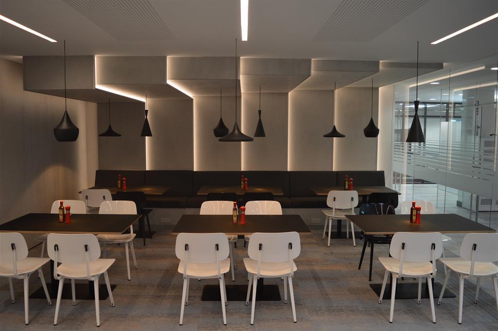 Habillage Murs Et Retour Sur Plafond En Panbeton Pour Un Restaurant