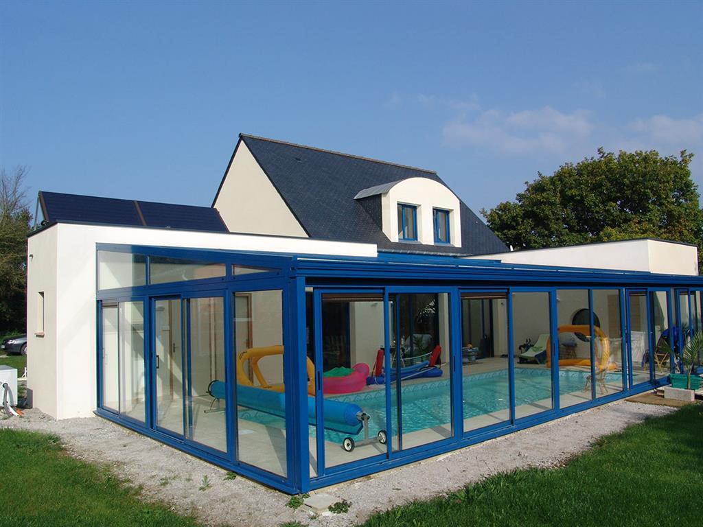 Couverture aluminium et verre d'une piscine