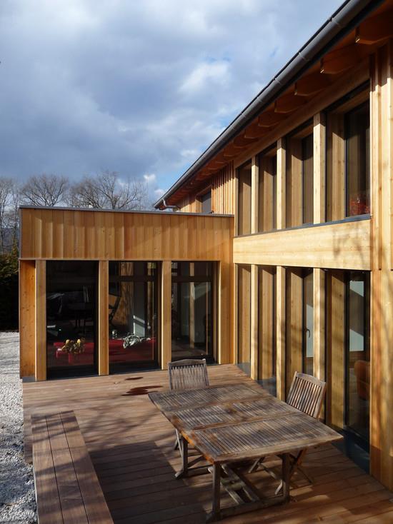 maison en bois baie vitr e en longueur wolff associ s. Black Bedroom Furniture Sets. Home Design Ideas