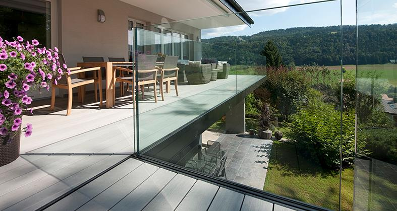 terrasse moderne avec garde corps vitr ue philippe langel