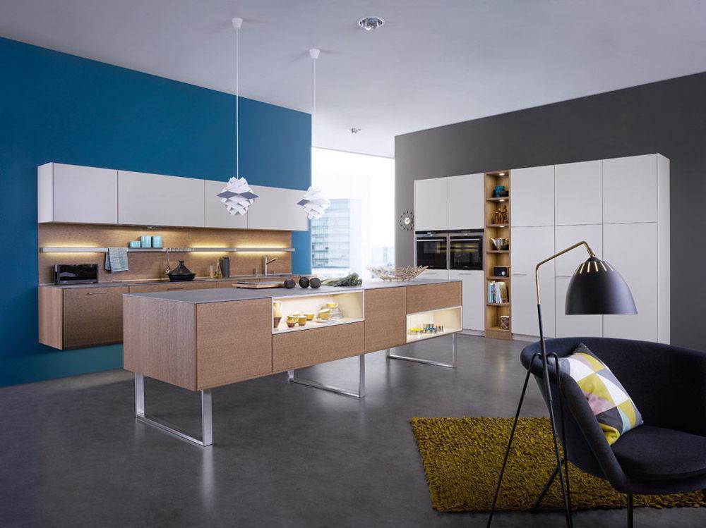 Cuisine contemporaine bleu et grise La maison de Suzelle