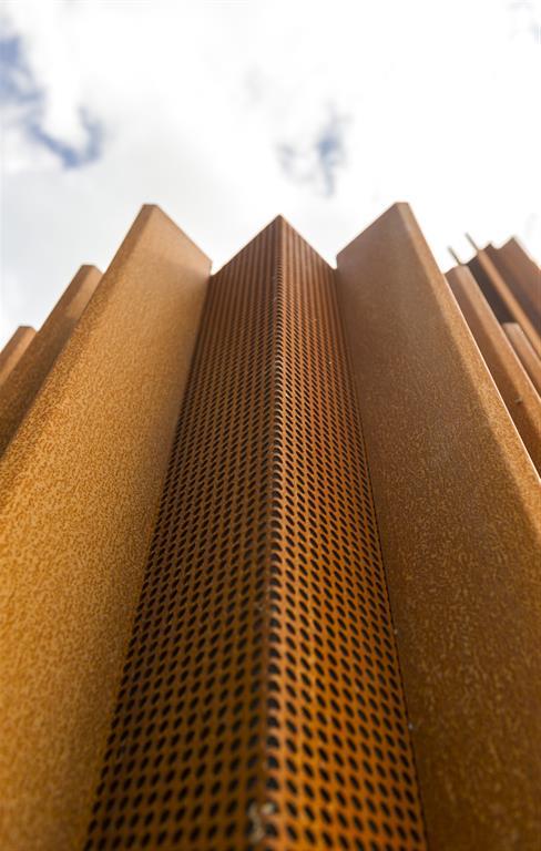 La maison Corten en acier rouillé par le cabinet d\'architecture ...