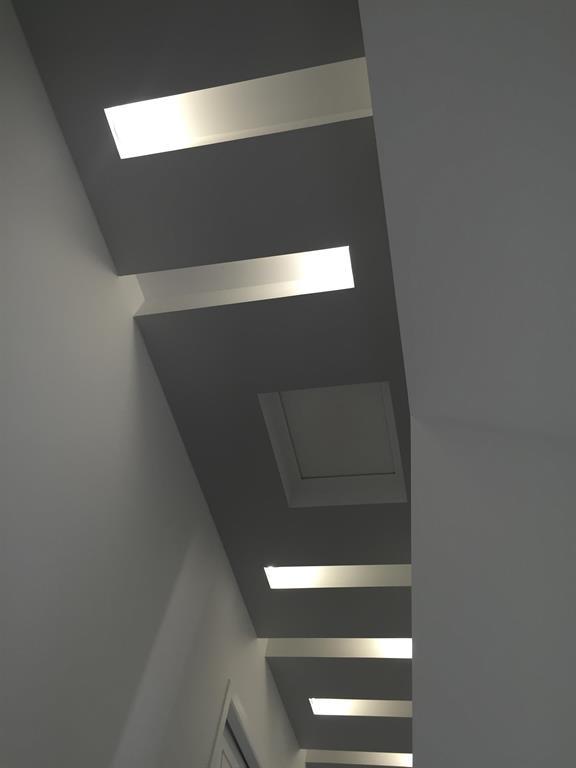 Création dun plafond décoratif avec gorge lumineuse eclairage indirect
