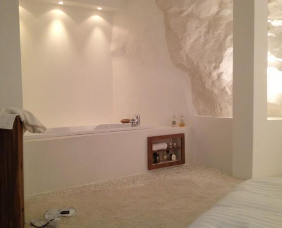 Chambre parentale avec baignoire encastr e esprits d for Salle de bain optimisee